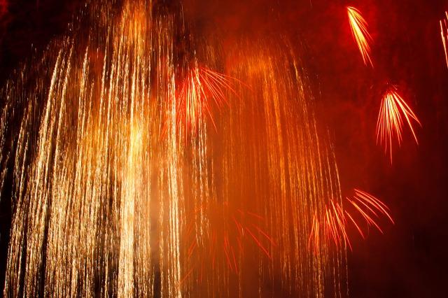 golden-fireworks-11290606016lPi